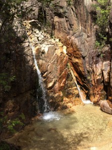 二条の滝。