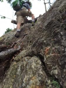 岩場を東から西に越える。自撮りに挑戦してみた。w