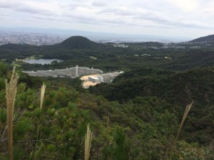 行者山東観峰付近から甲山方面を見下ろす。