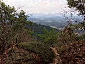 天狗岩から吉野・大峰の山々の眺め。