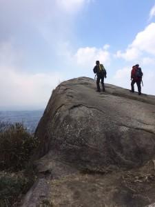 山頂の「観音岩」。