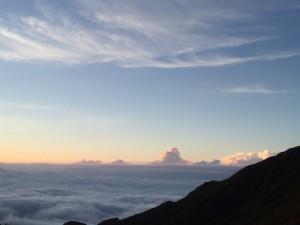 安曇野側の雲海。(Kさん提供)