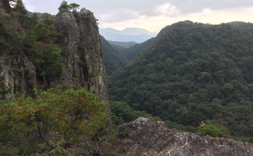 <ruby>名来<rp>(</rp><rt>ならい</rt><rp>)</rp></ruby>から鎌倉峡・百丈岩
